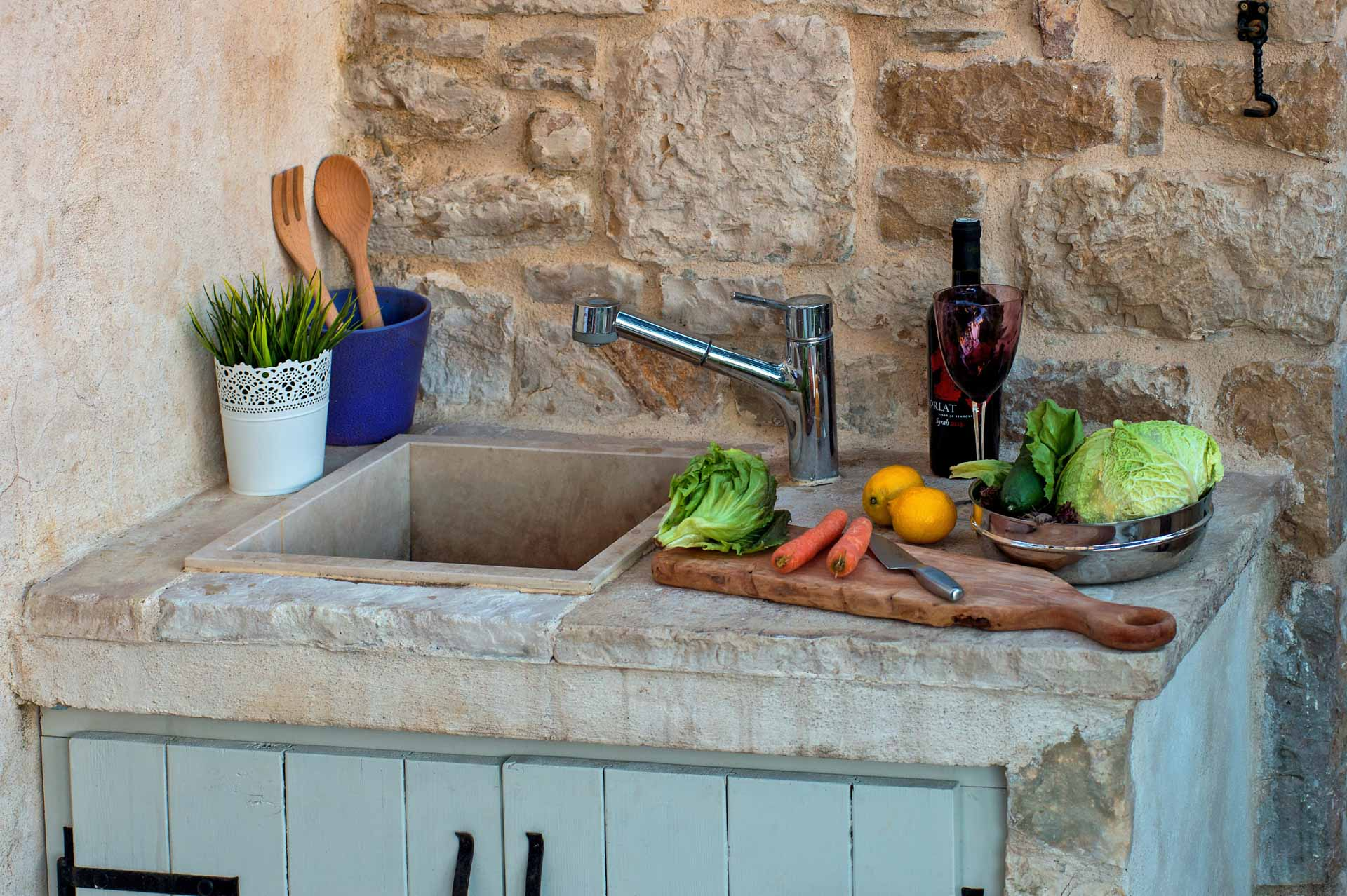 Vila za odmor sa bazenom, vanjska kuhinja