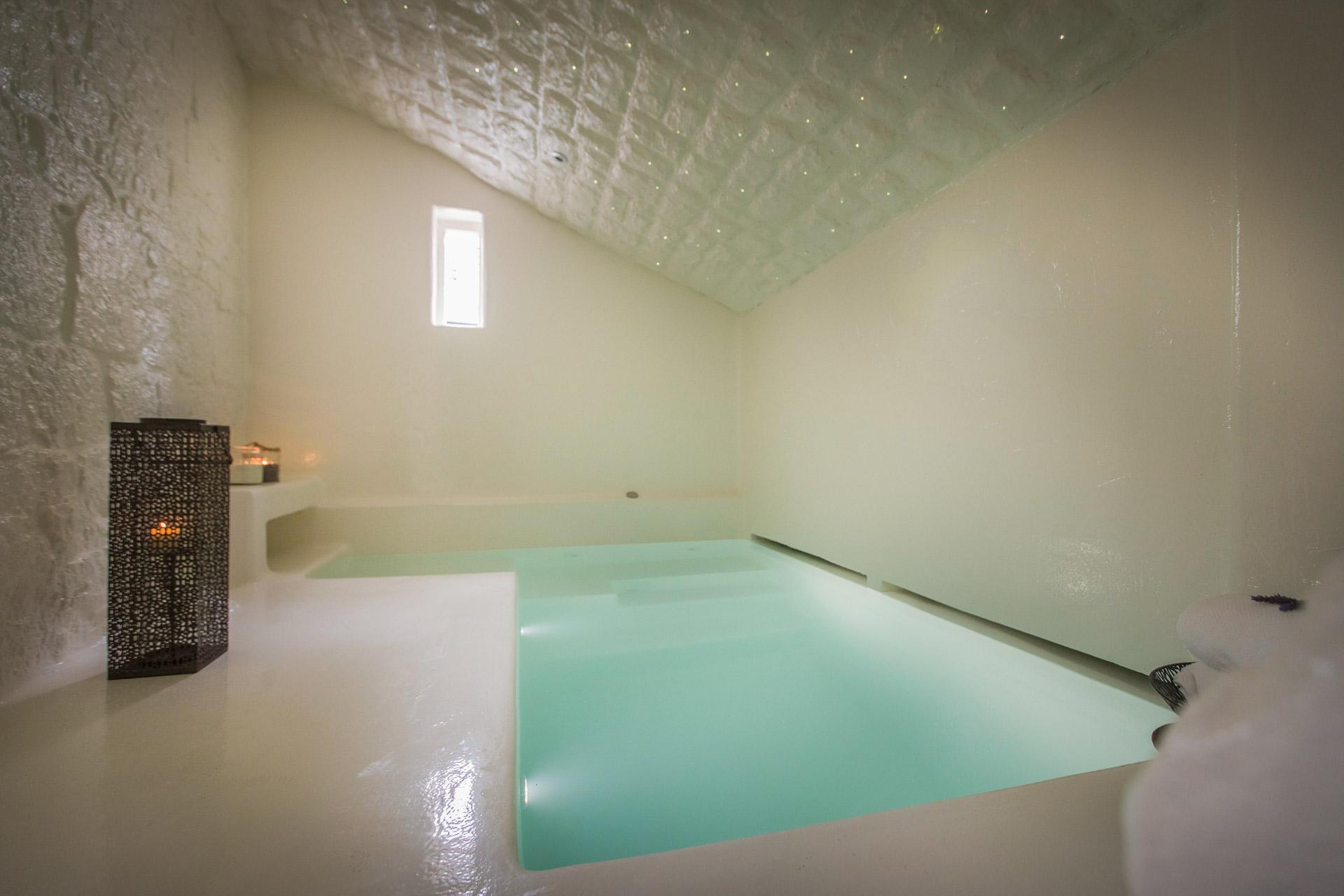 Vila za odmor s bazenom, unutarnji bazen