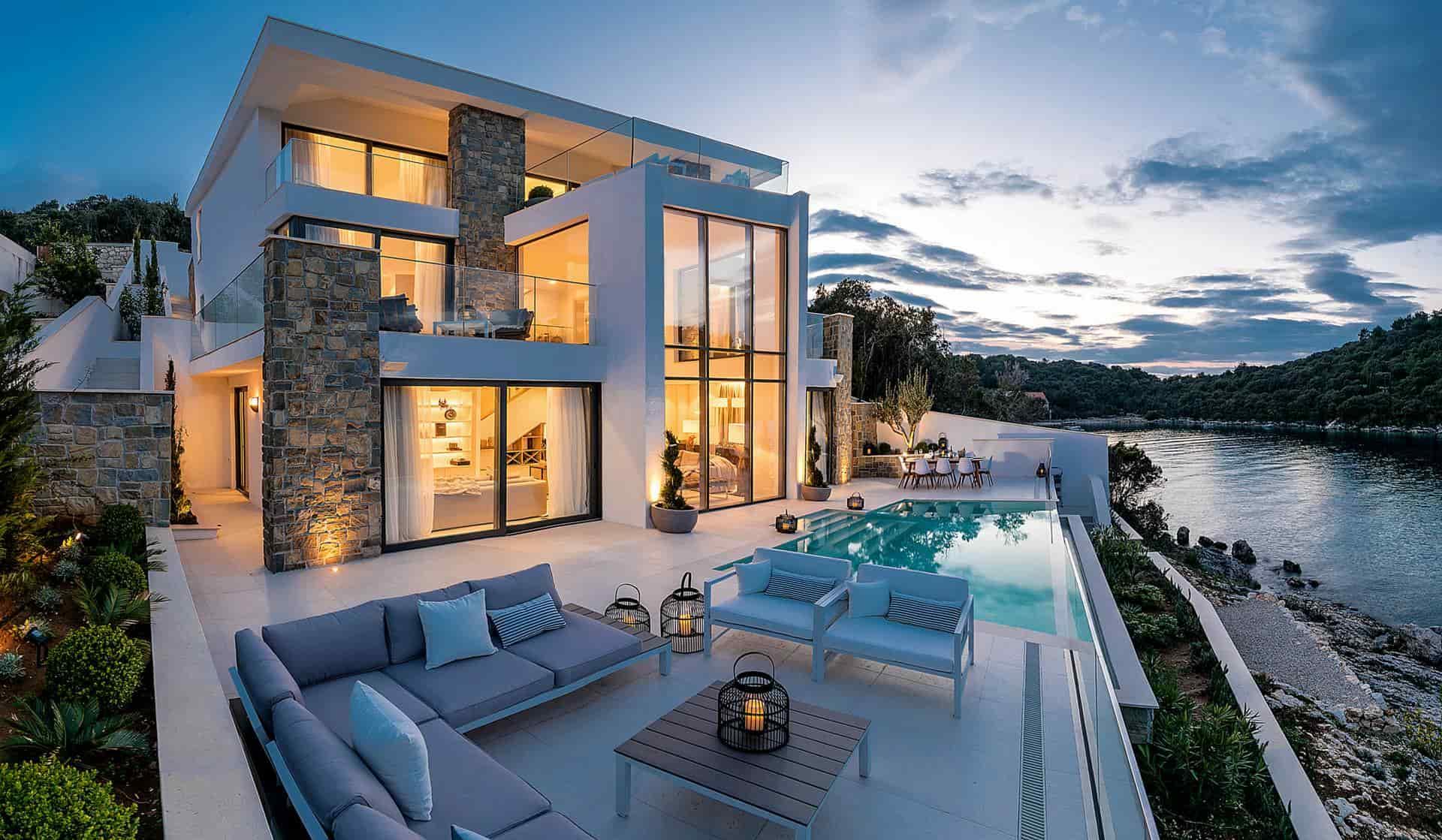 Eskluzivna vila na samom moru s bazenom