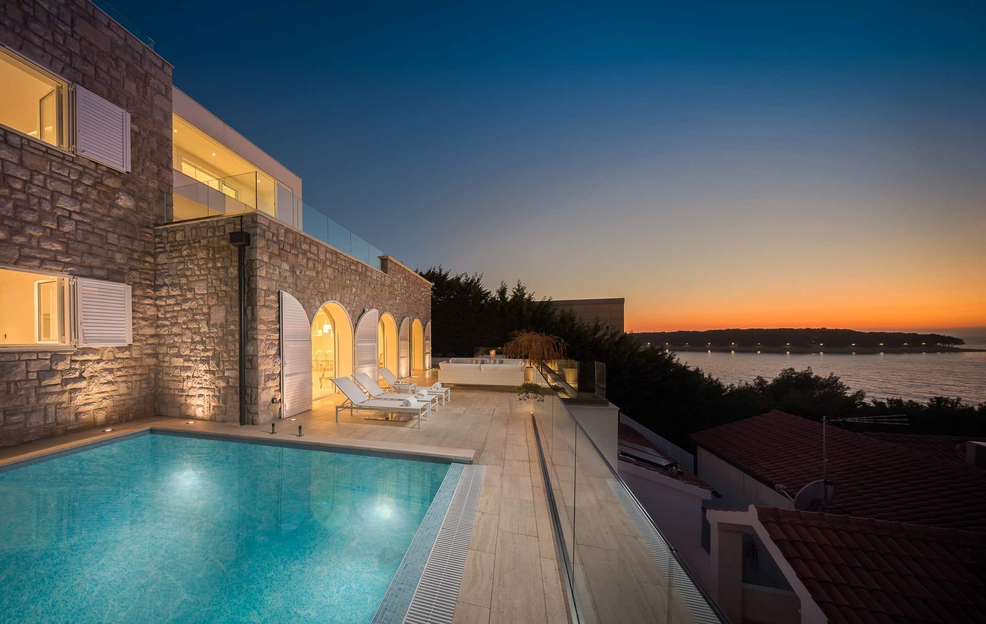 Luksuzna vila s bazenom i  pogledom