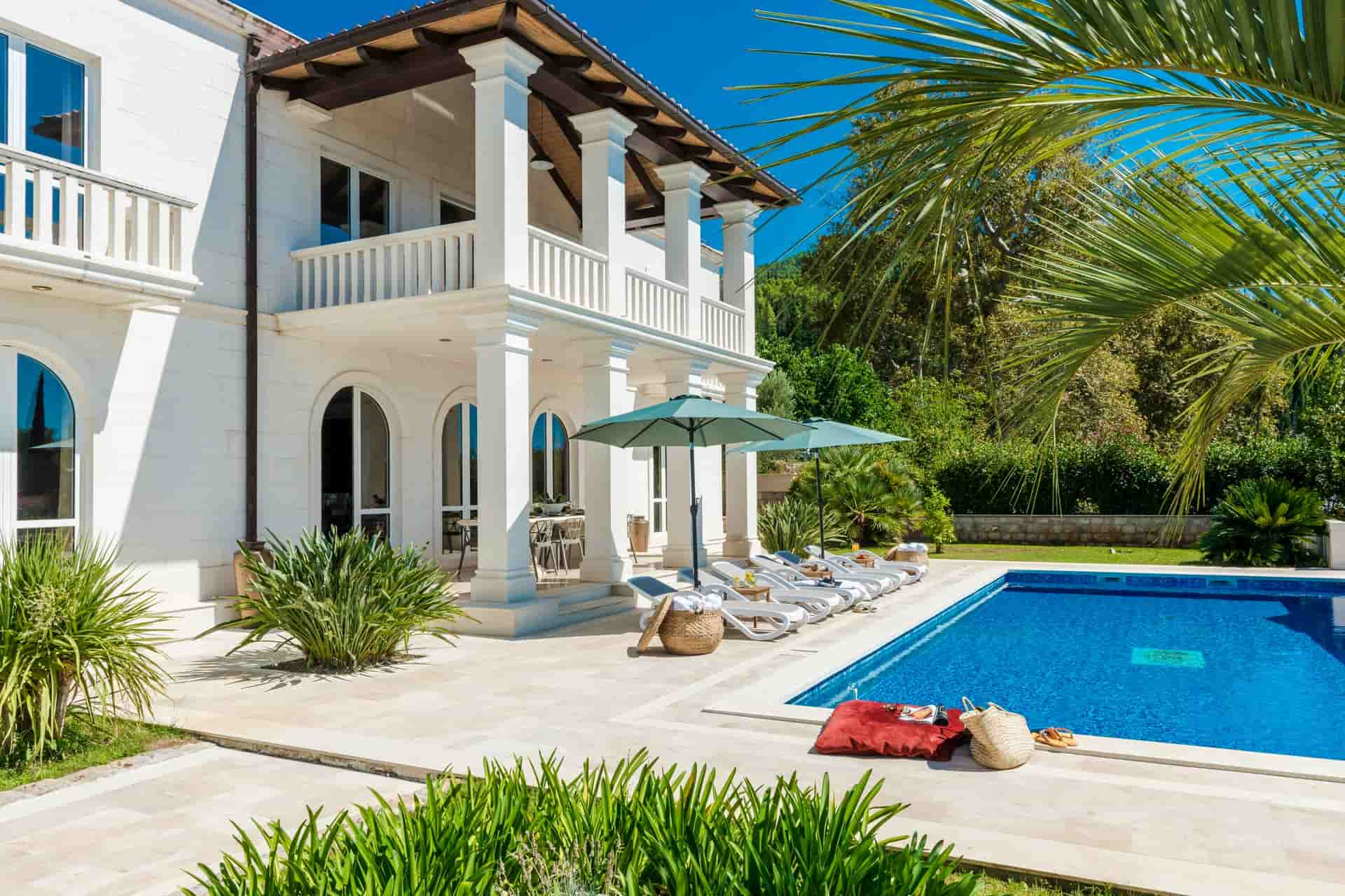 Villa mit Pool  und privatem Concierge