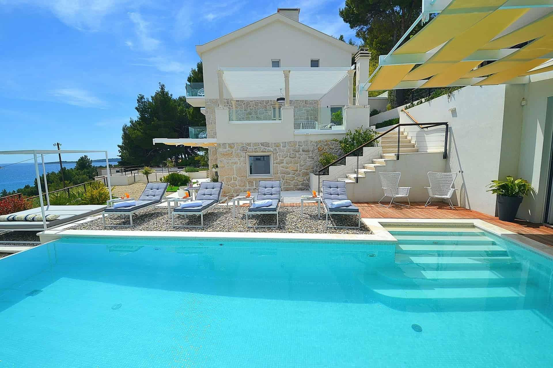 Villa s bazenom, vinski podrum, jacuzzi