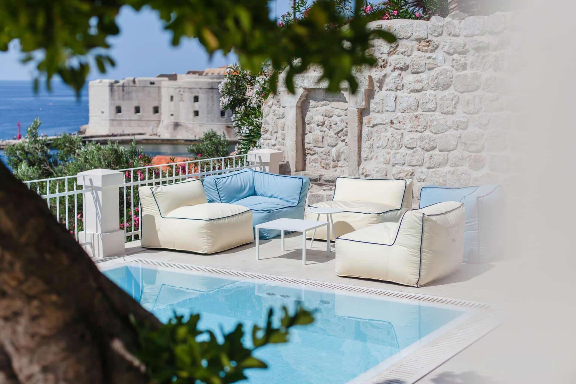 Luksuzna vila s grijanim bazenom i pogledom