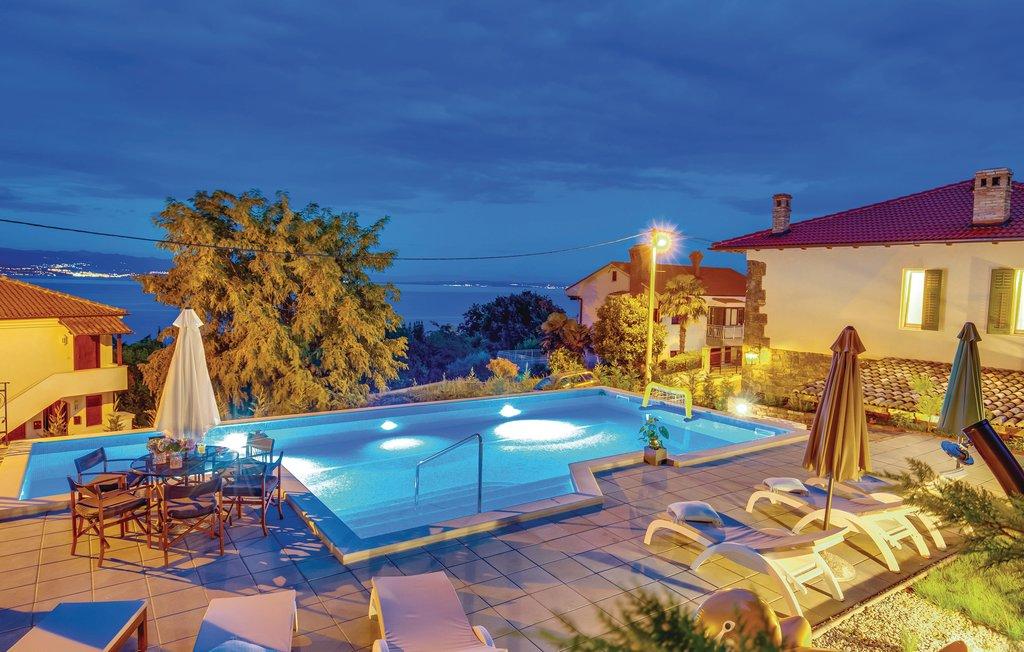 Vila s velikim bazenom, 500 metara od plaže s fantastičnim pogledom
