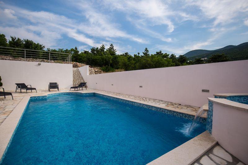Luxus Wohnung mit Pool und Meerblick