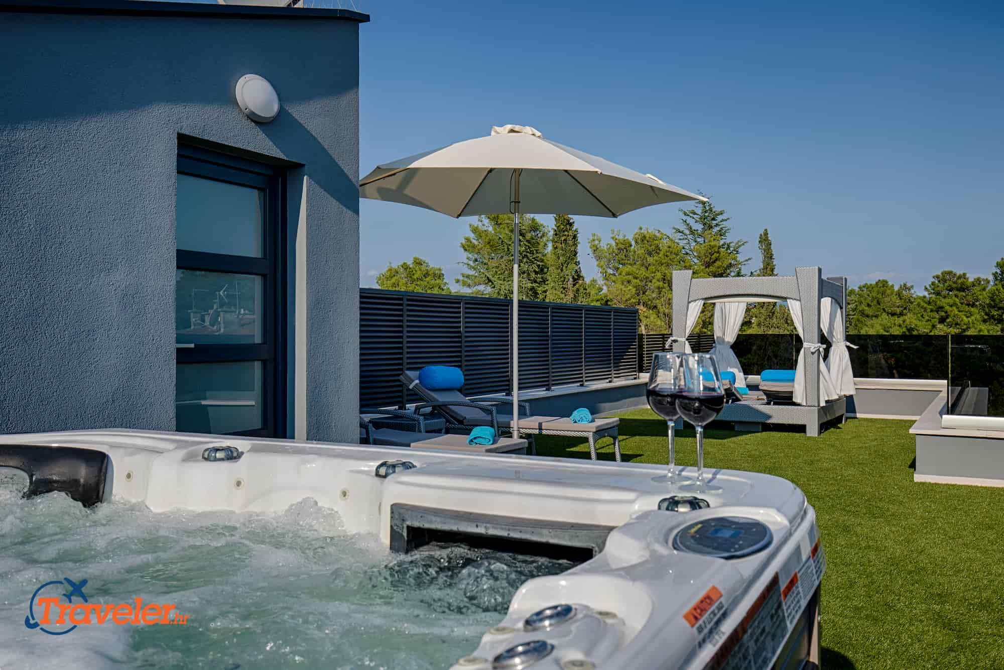 Luxus Penthouse mit Jacuzzi und herrlicher Aussicht