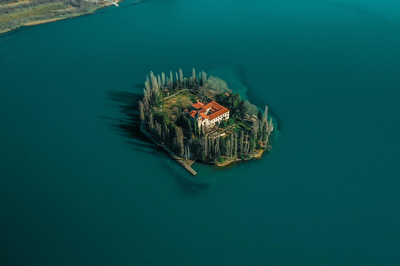Erkunden Sie die kroatischen Inseln und beginnen Sie Ihr Abenteuer